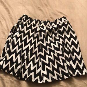 Aeropostale Black/White Chevron Skirt -Medium